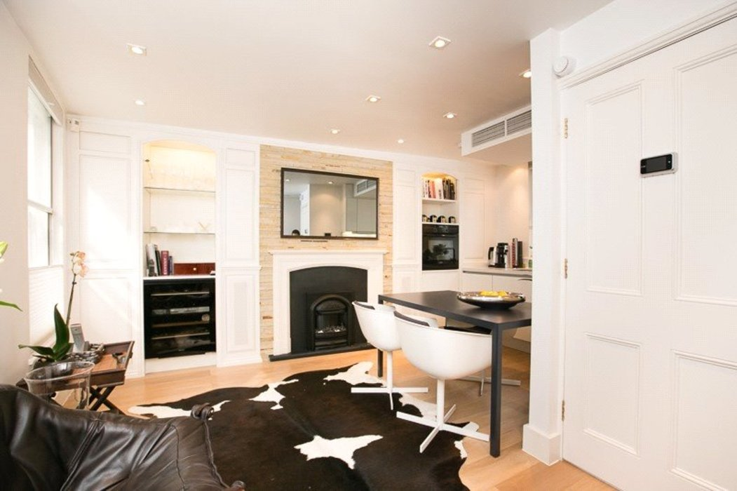 2 bedroom Flat to let in Mayfair,London - Image 7