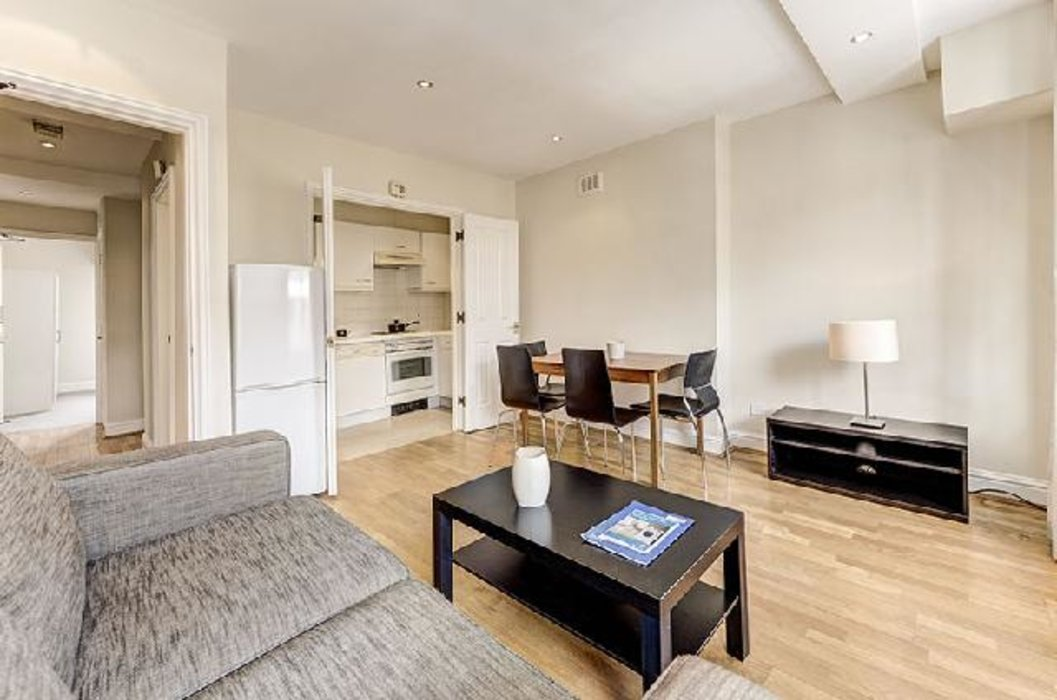 2 bedroom Flat to let in Marylebone,London - Image 2