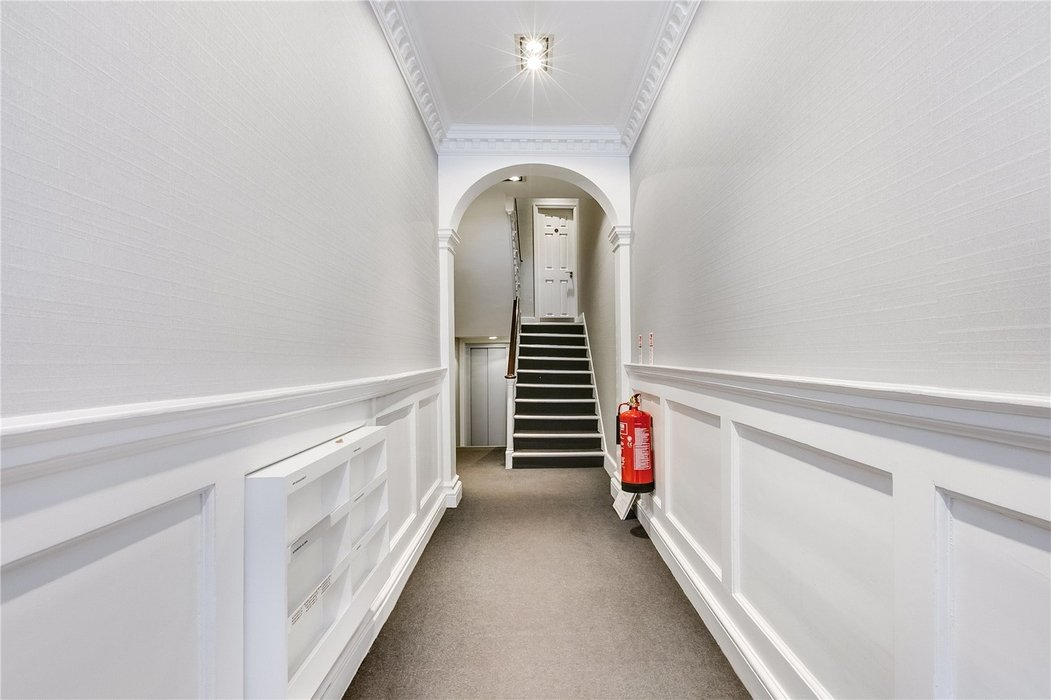 Office to let in Mayfair,London - Image 8