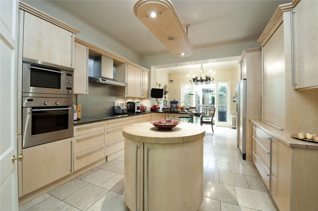 5 bedroom House for sale in London - Image 4