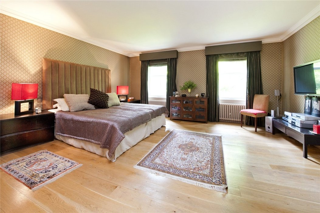 5 bedroom House for sale in London - Image 6