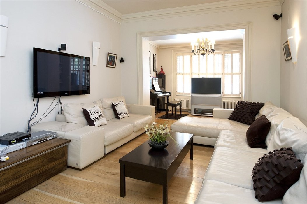 5 bedroom House for sale in London - Image 2