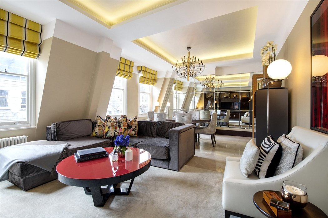 2 bedroom Flat for sale in Mayfair,London - Image 3