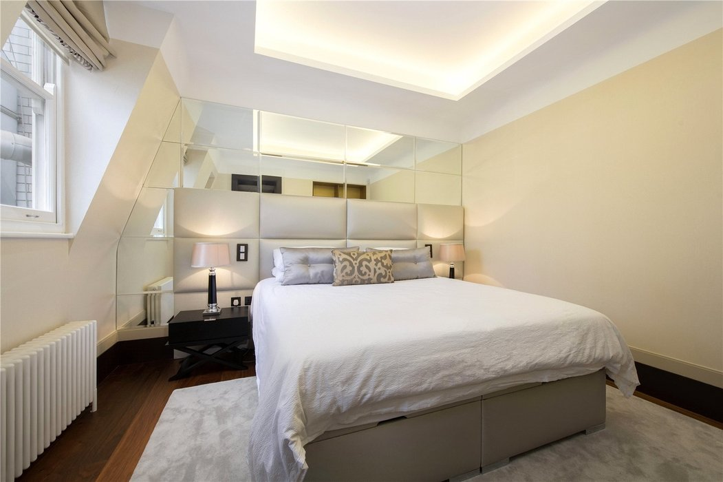 2 bedroom Flat for sale in Mayfair,London - Image 4