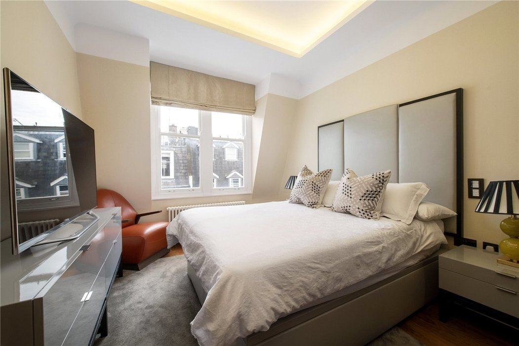 2 bedroom Flat for sale in Mayfair,London - Image 5