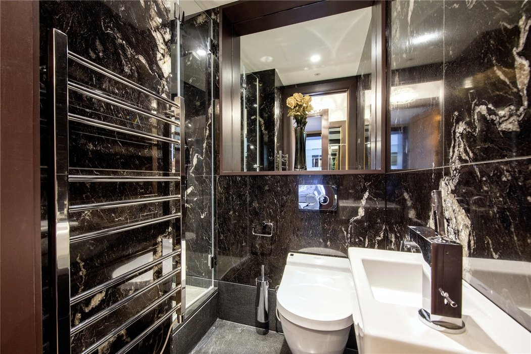 2 bedroom Flat for sale in Mayfair,London - Image 10