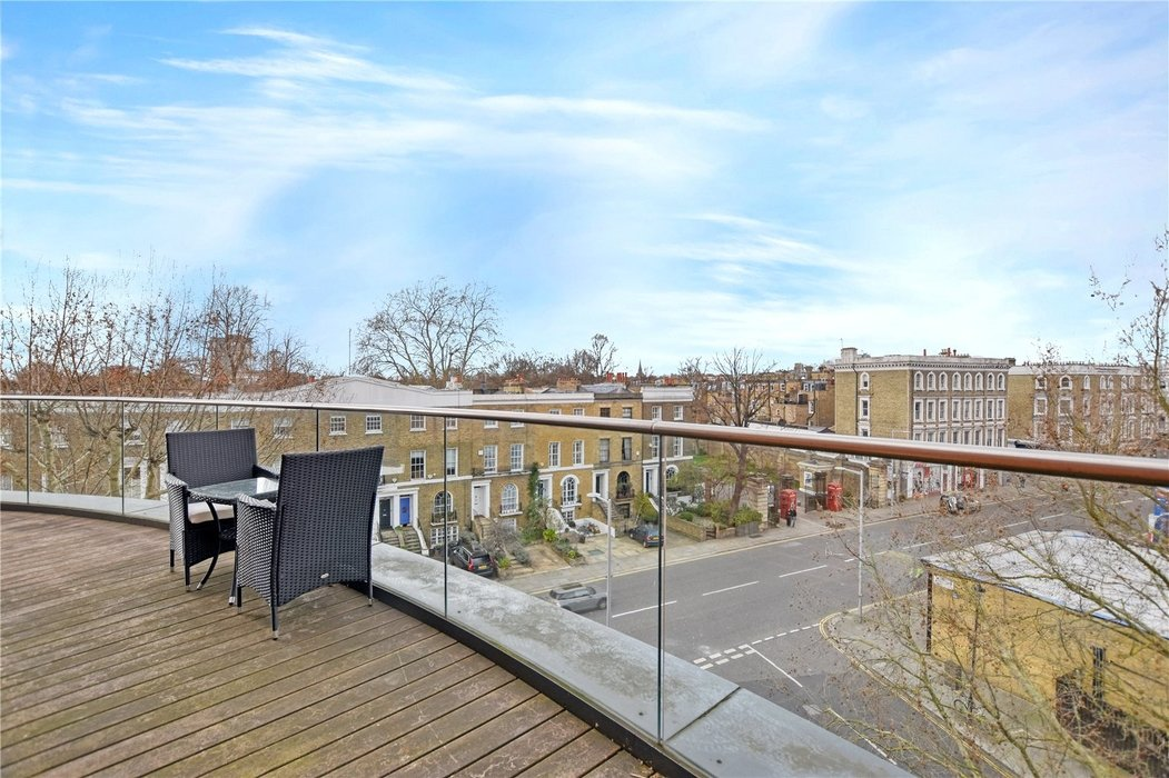 2 bedroom Flat for sale in Hortensia Road,Chelsea - Image 3