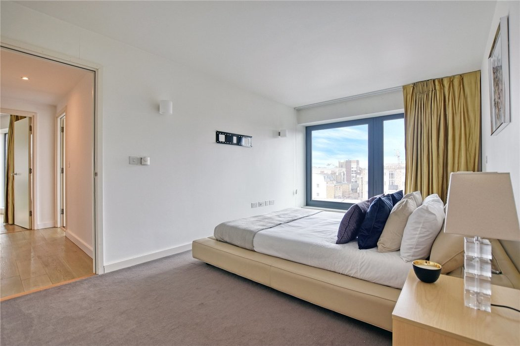 2 bedroom Flat for sale in Hortensia Road,Chelsea - Image 4