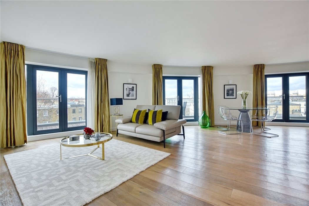 2 bedroom Flat for sale in Hortensia Road,Chelsea - Image 1