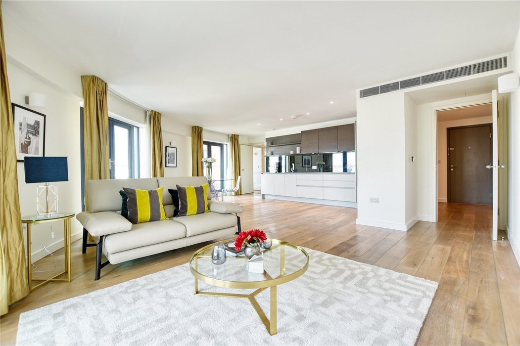 2 bedroom Flat for sale in Hortensia Road,Chelsea - Image 2