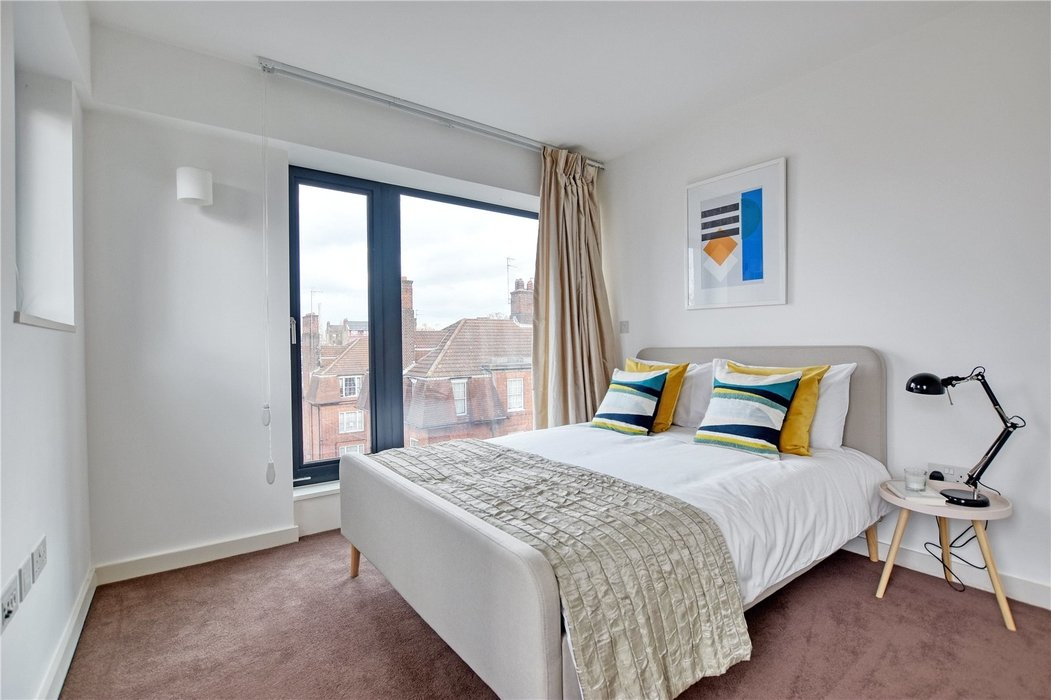 2 bedroom Flat for sale in Hortensia Road,Chelsea - Image 6