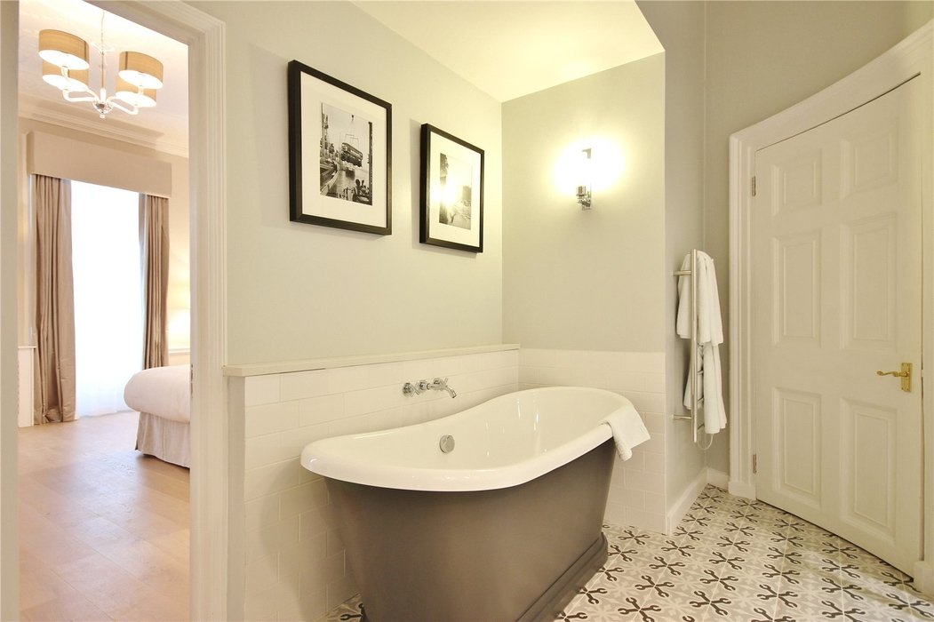 1 bedroom Flat to let in Mayfair,London - Image 9