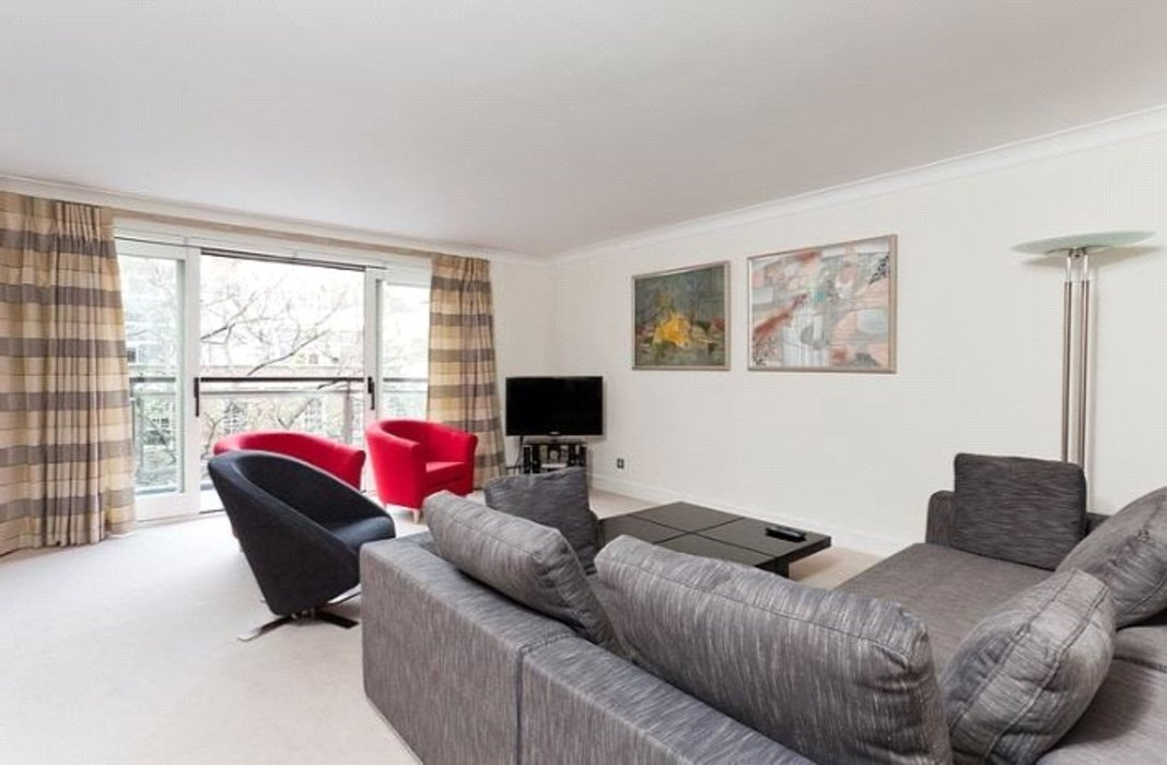 2 bedroom Flat to let in Mayfair,London - Image 1