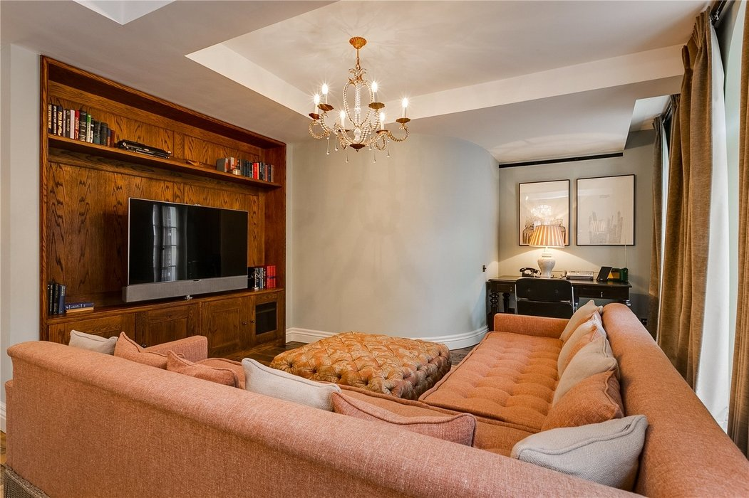 3 bedroom Flat to let in Mayfair,London - Image 6
