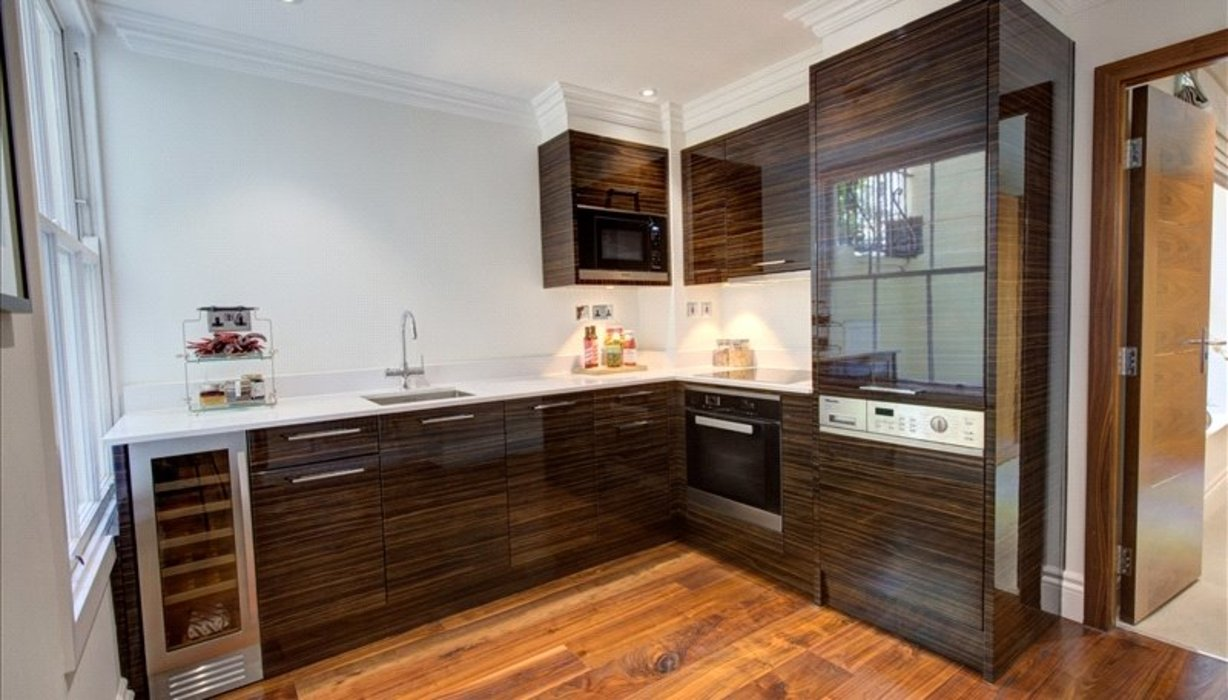 1 bedroom Flat to let in London - Image 2