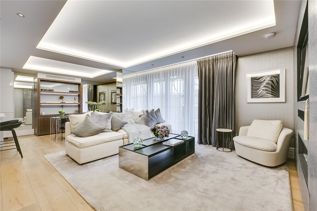2 bedroom Flat for sale in Bayswater,London - Image 1