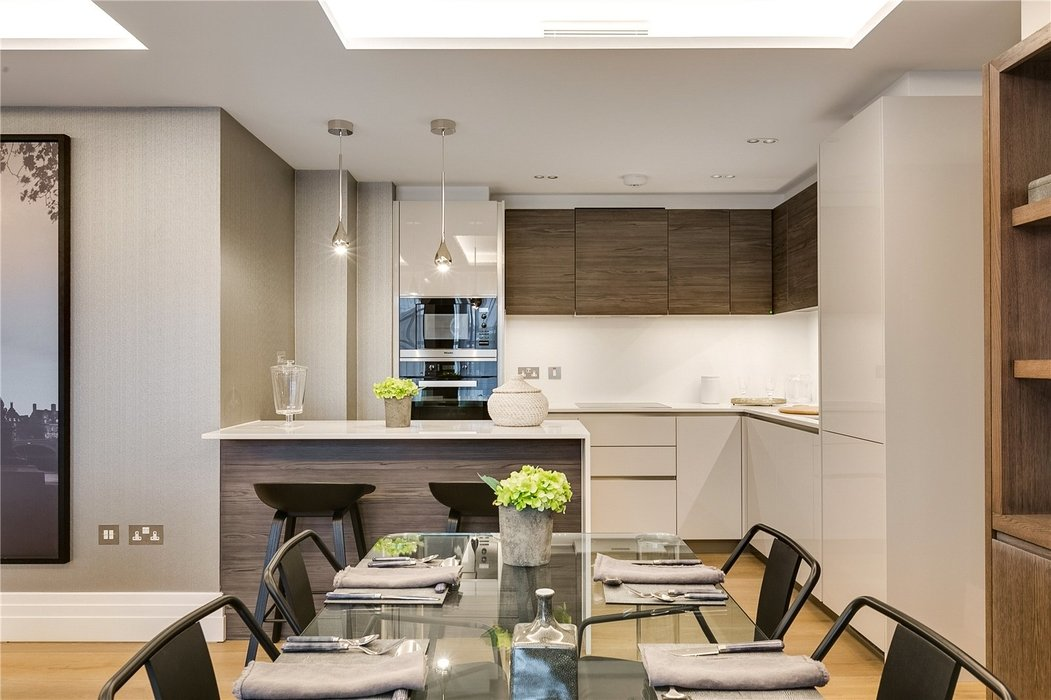 2 bedroom Flat for sale in Bayswater,London - Image 2