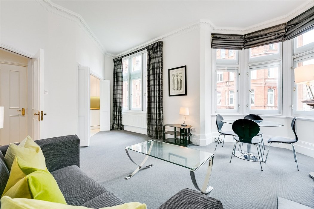 1 bedroom Flat to let in Mayfair,London - Image 2