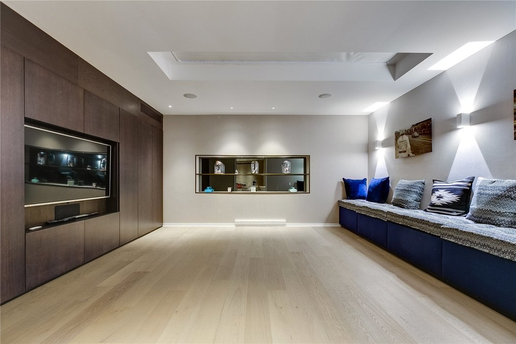 4 bedroom House for sale in Kensington,London - Image 5