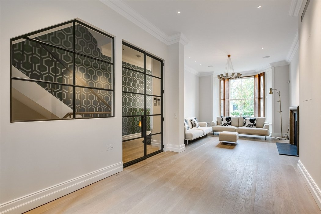 4 bedroom House for sale in Kensington,London - Image 6