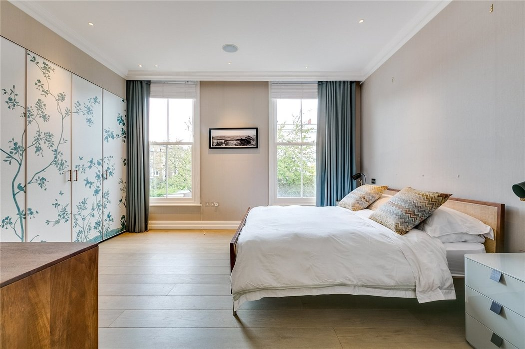 4 bedroom House for sale in Kensington,London - Image 7