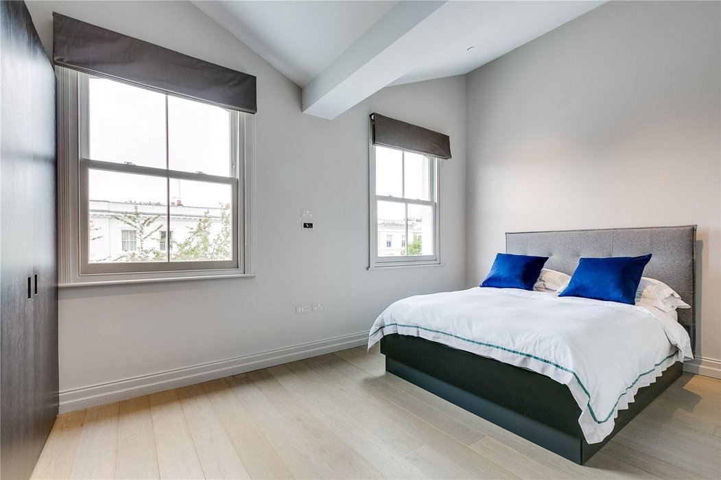 4 bedroom House for sale in Kensington,London - Image 10