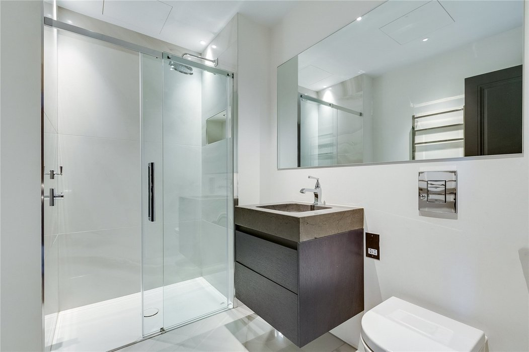 4 bedroom House for sale in Kensington,London - Image 11