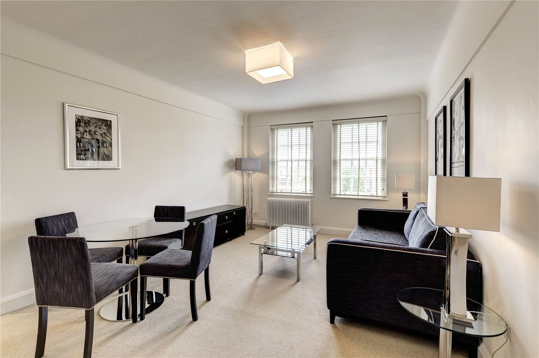 2 bedroom Flat to let in Chelsea,London - Image 1