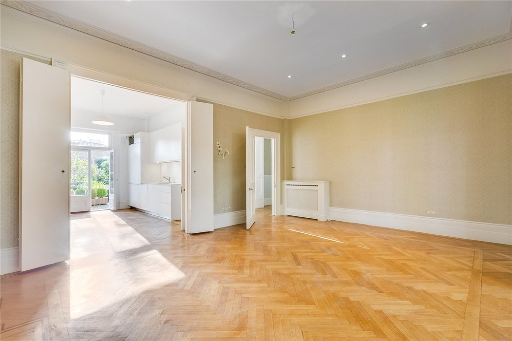 4 bedroom House to let in London - Image 3