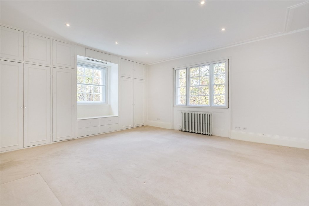 4 bedroom House to let in London - Image 17