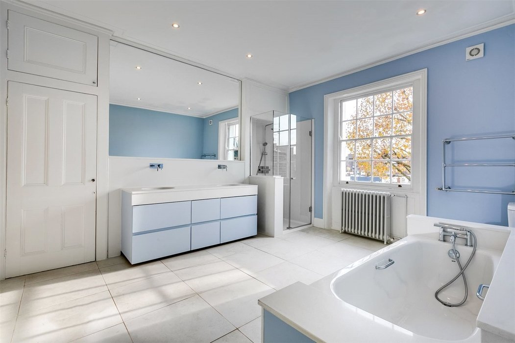 4 bedroom House to let in London - Image 18