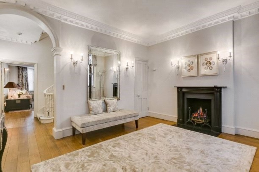 5 bedroom Townhouse to let in Mayfair,London - Image 4