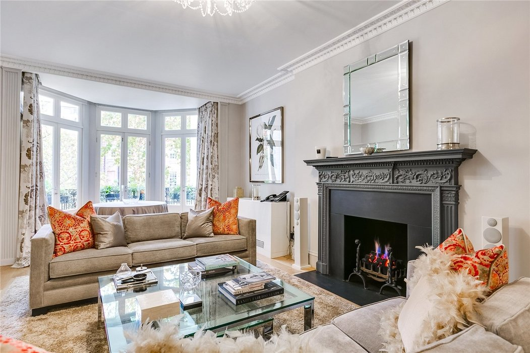 5 bedroom Townhouse to let in Mayfair,London - Image 1