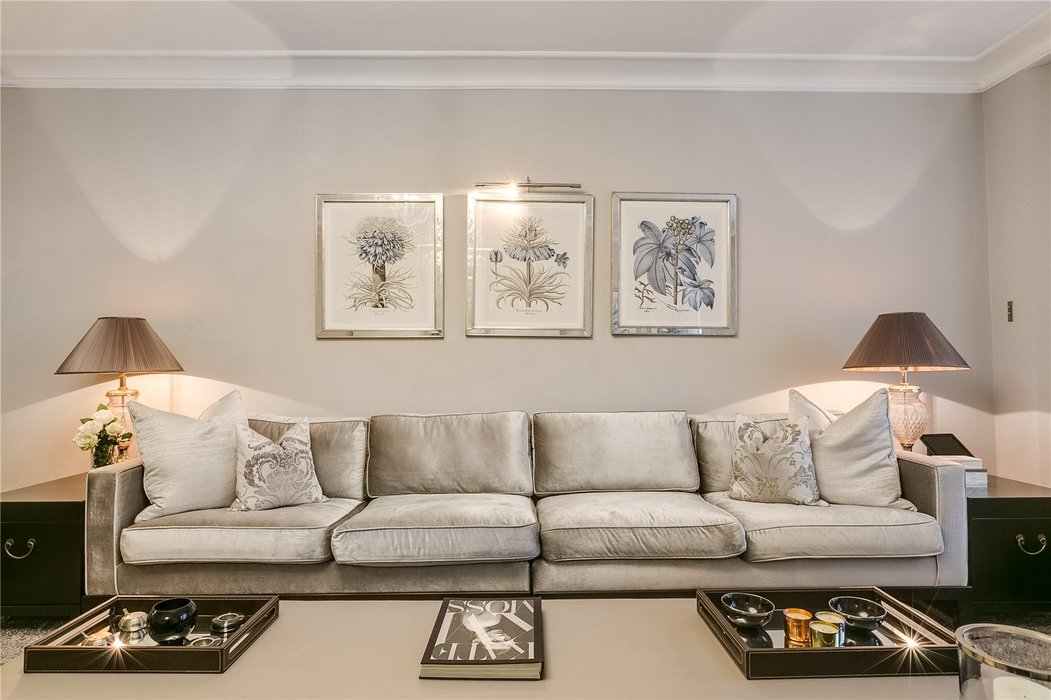 5 bedroom Townhouse to let in Mayfair,London - Image 5