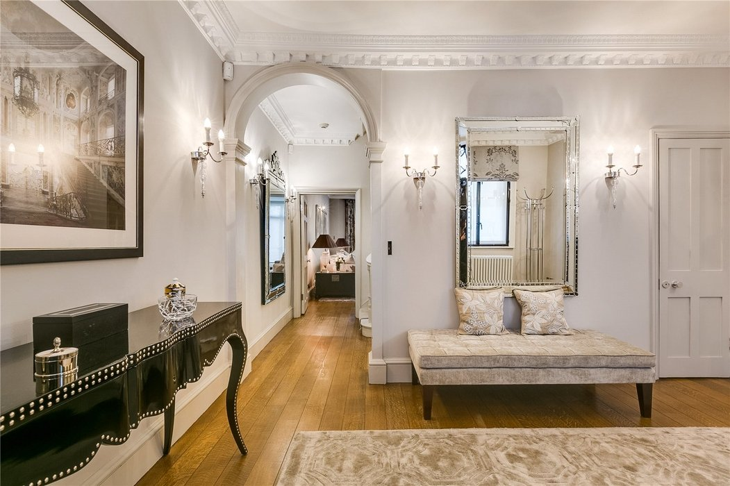 5 bedroom Townhouse to let in Mayfair,London - Image 22