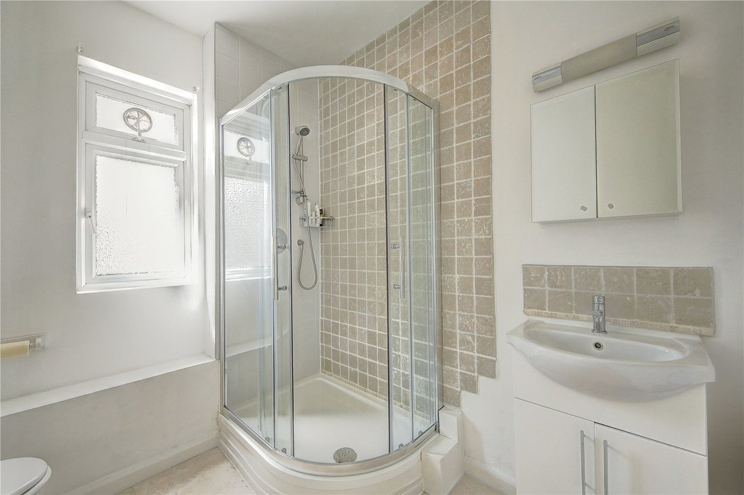3 bedroom Flat for sale in London - Image 8