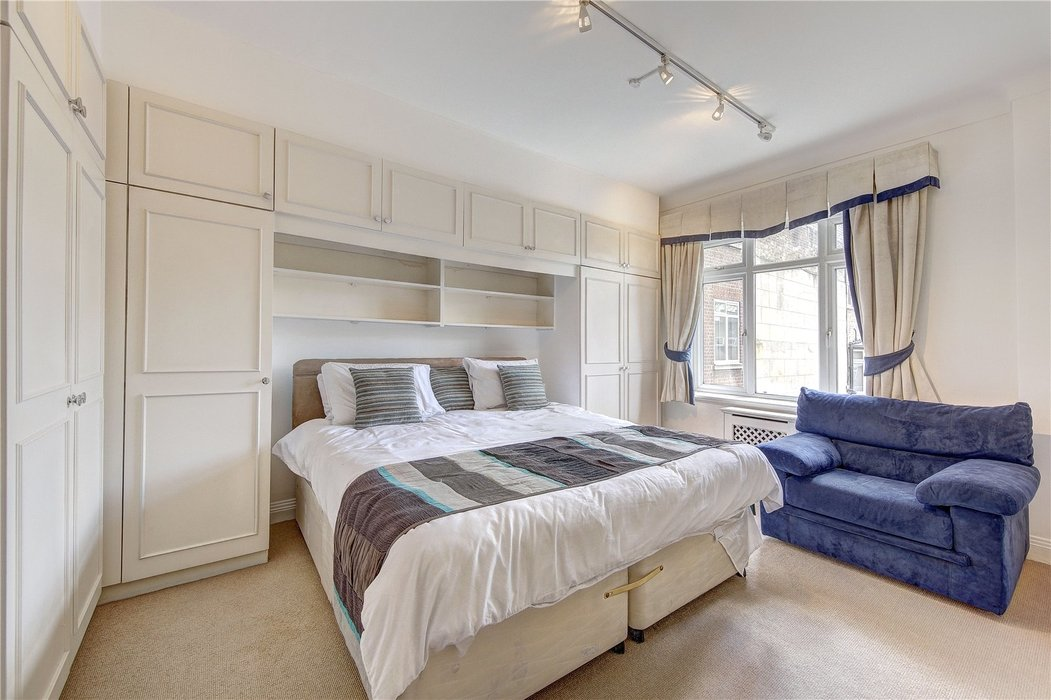 3 bedroom Flat for sale in London - Image 5