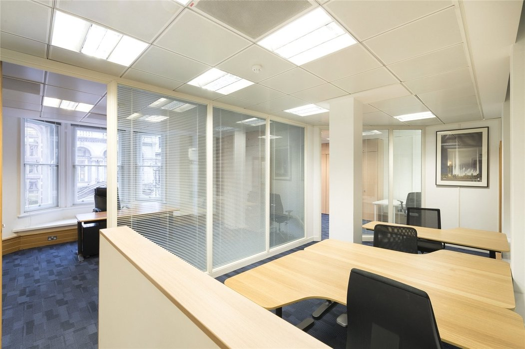 Office to let in London - Image 2