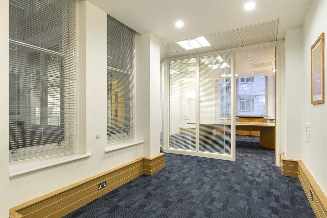 Office to let in London - Image 6