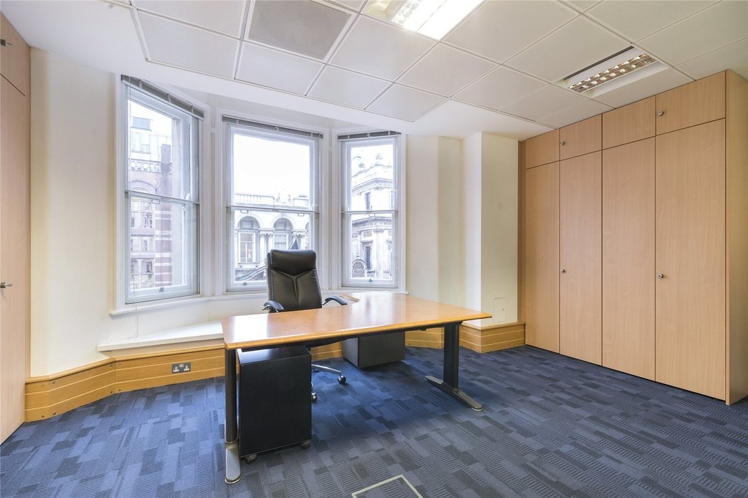 Office to let in London - Image 5