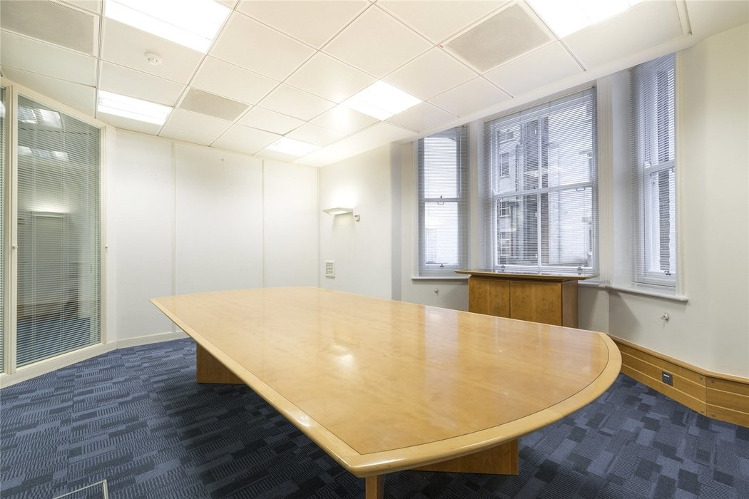 Office to let in London - Image 8