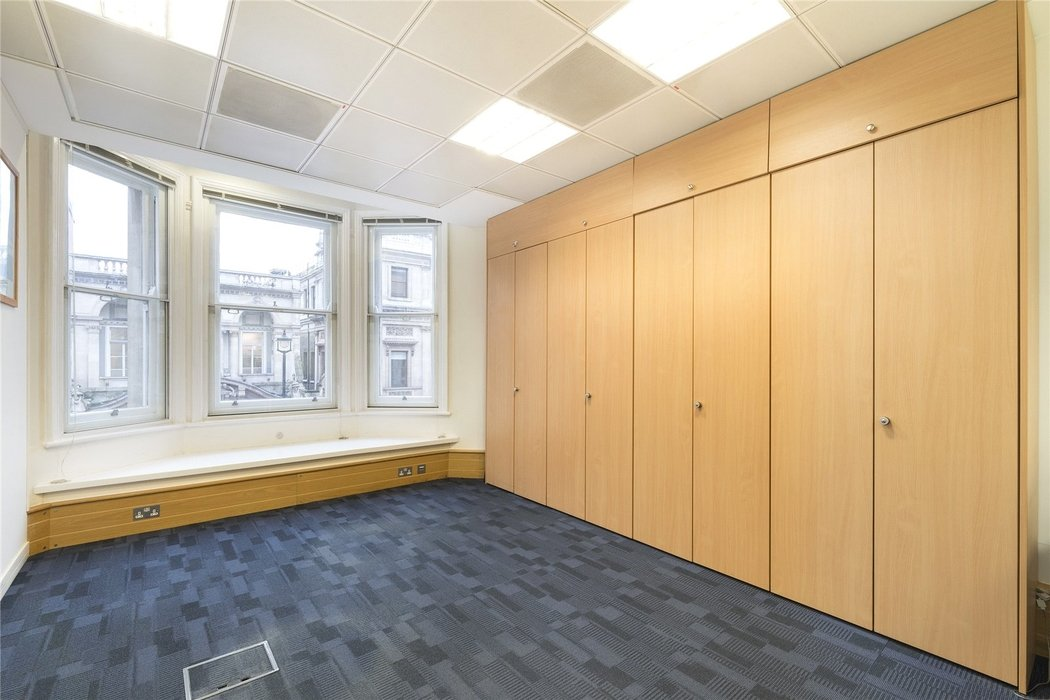 Office to let in London - Image 9
