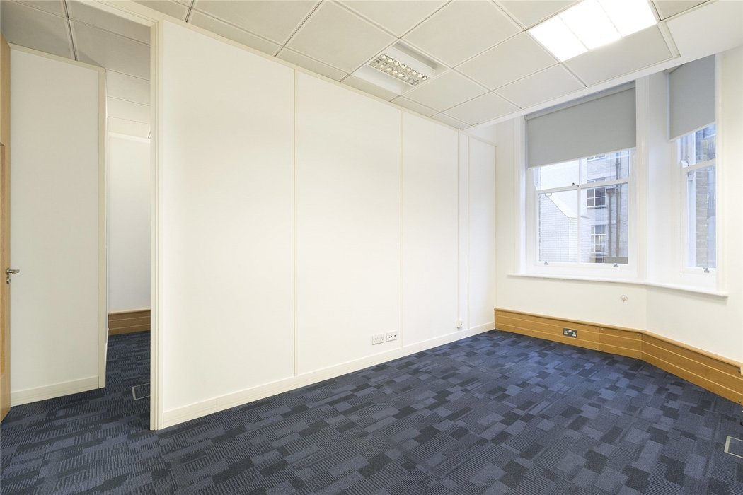 Office to let in London - Image 10