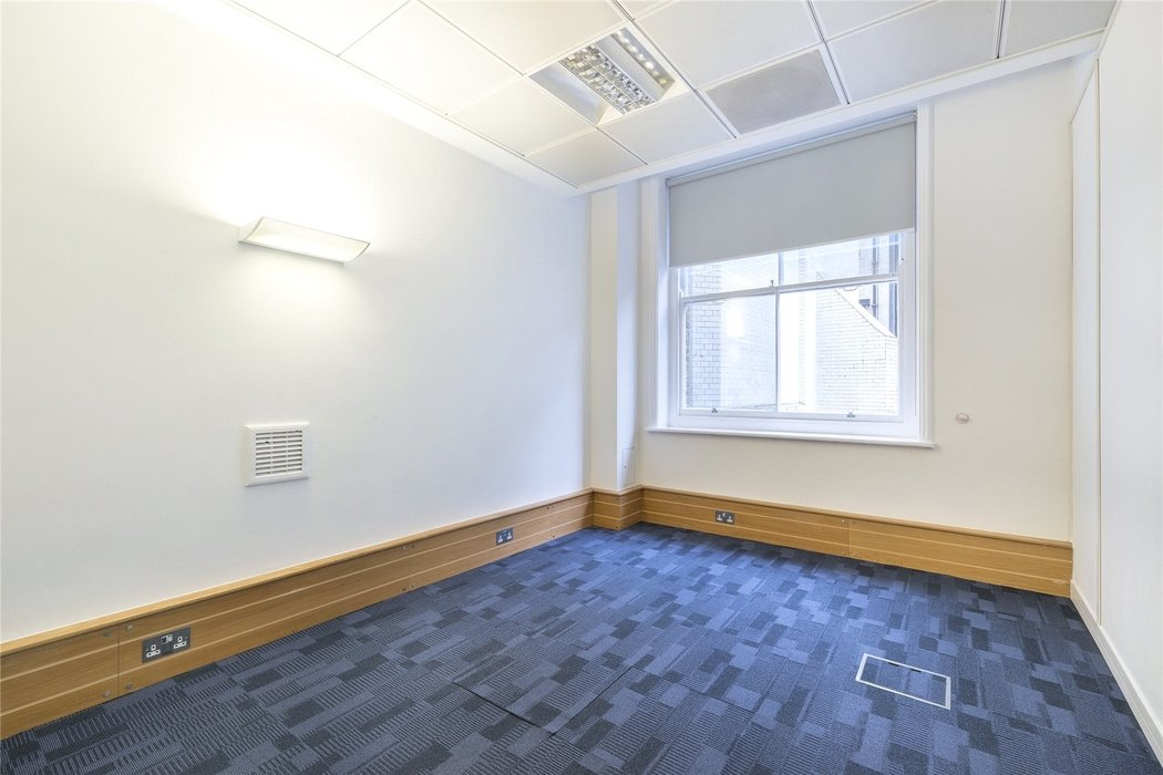 Office to let in London - Image 11