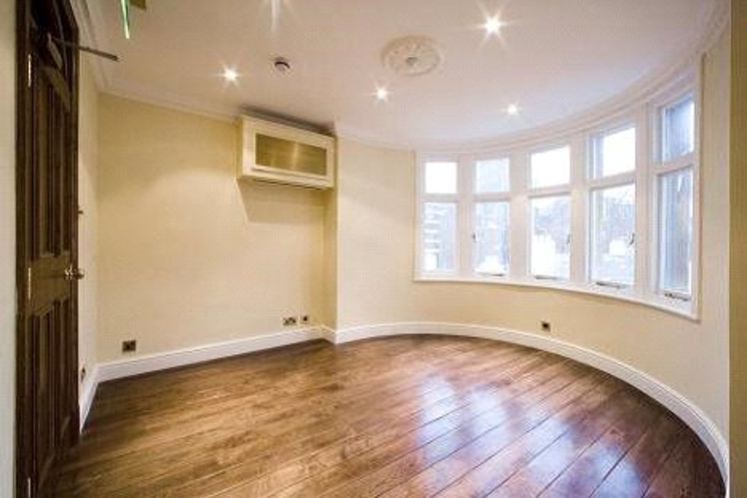 Property to let in Mayfair,London - Image 3