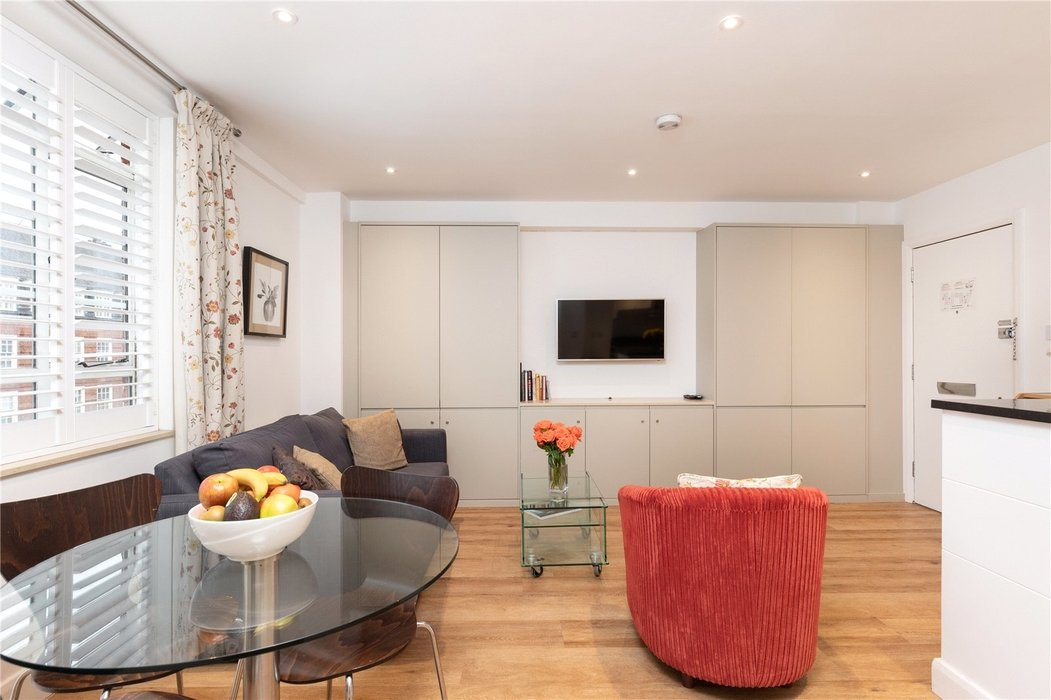 1 bedroom Flat for sale in Chelsea,London - Image 1