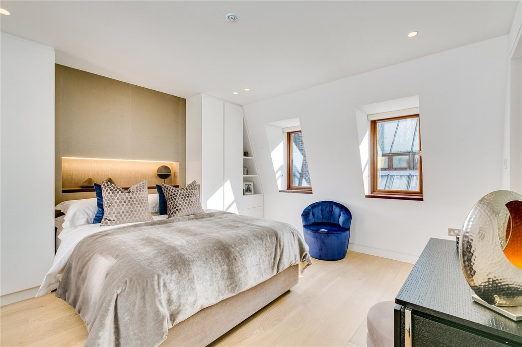 3 bedroom House to let in Mayfair,London - Image 8