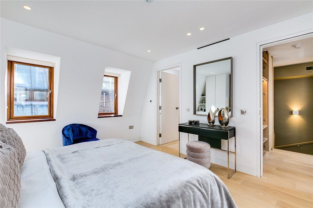 3 bedroom House to let in Mayfair,London - Image 9