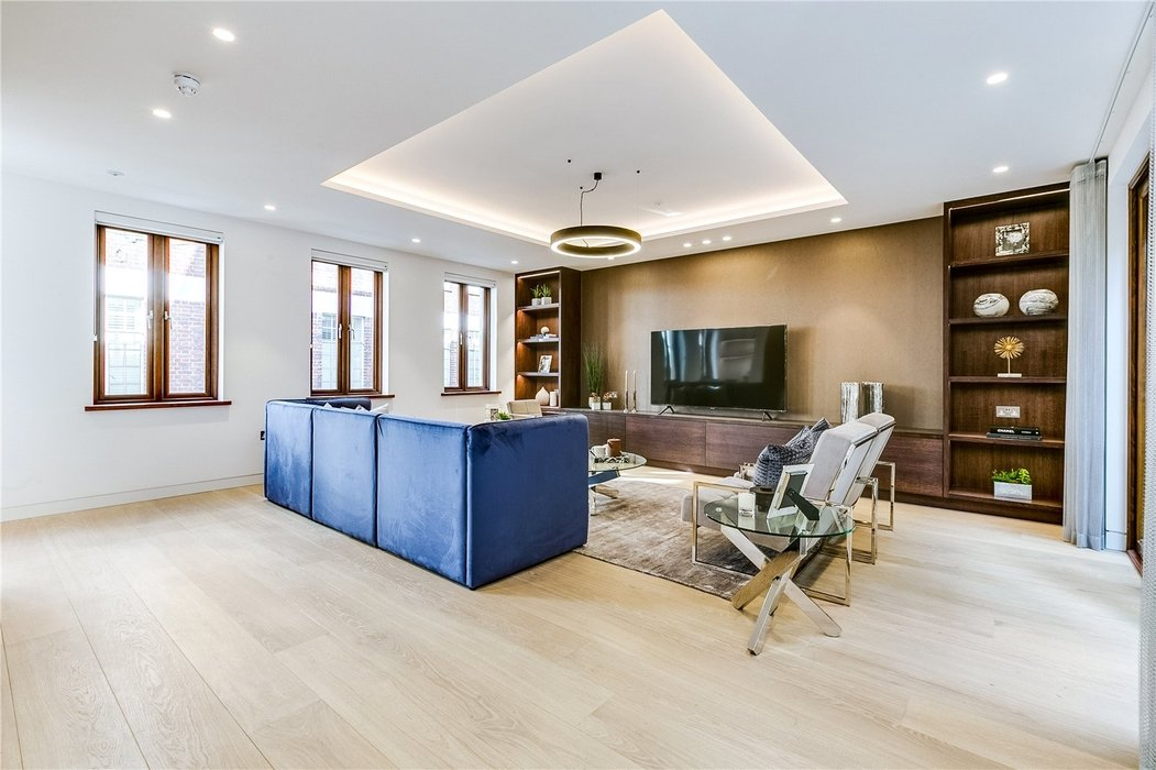3 bedroom House to let in Mayfair,London - Image 2