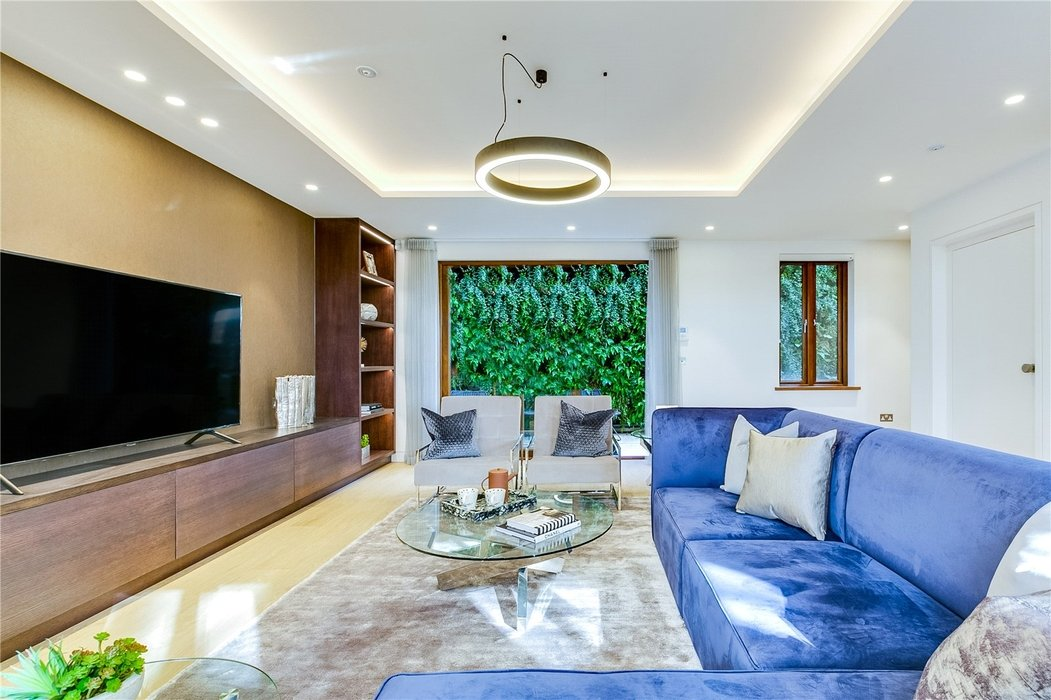 3 bedroom House to let in Mayfair,London - Image 7